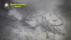 Průmyslové kamery zachytily přesný moment kolapsu italského mostu