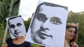 Pražský protest za propuštění ukrajinského režiséra Oleha Sencova
