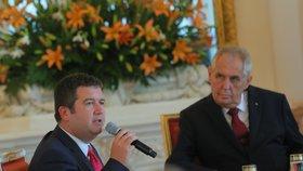Prezident Miloš Zeman (vpravo) a vicepremiér Jan Hamáček (ČSSD)