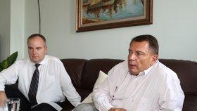 Na půjčce se prý Paroubek a Michek dohodli na společné dovolené i s Petrou Paroubkovou v létě 2016