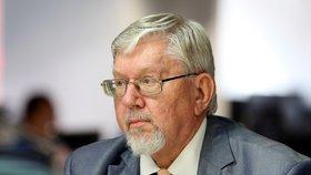 Ústavní právník Aleš Gerloch (nestr.) má z právnického hlediska KSČM za demokratickou stranu. Jinak už by podle něj byla soudně rozpuštěna