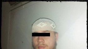 Slováka, který konvertoval k islámu, zatkli policisté. Měl doma chemikálie a návody, jak vyrobit bombu.