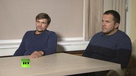 Ruslan Boširov (vlevo) a Alexandr Petrov, muži obvinění z útoku na bývalého dvojitého agenta Sergeje Skripala, se v televizní rozhovoru snažili veřejnost přesvědčit o tom, že oni s otravou nemají nic společného.