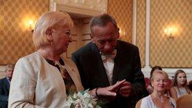 Senátor Jaroslav Kubera s manželkou Věrou po 50 letech obnovili manželský slib (15.9.2018).