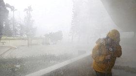 Tajfun Mangkhut zabil na Filipínách nejméně 25 lidí.