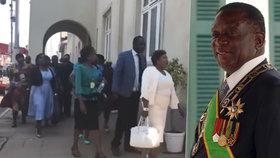 Opoziční poslanci přerušili projev prezidenta Mnangagwy a na protest opustili parlament.