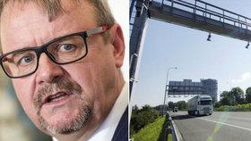 Ministerstvo dopravy podepsalo smlouvu s firmami CzechToll a SkyToll na provozování mýtného systému v Česku