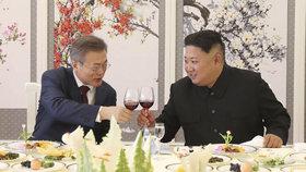 Poslední přípitek na trvalý korejský mír.