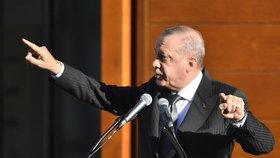 Turecký prezident Erdogan se v Kolíně nad Rýnem zúčastnil společně se svou manželkou otevření nové obří mešity