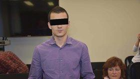 Nikolayi požadoval po Pákistánu propuštění pašeračky Terezy, vyhrožoval kvůli tomu terorismem. Nyní se zpovídá u plzeňského soudu.
