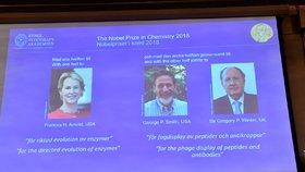 Nobelovu cenu za chemii získala trojice laureátů