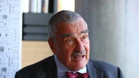 Kníže Karel Schwarzenberg (80) během rozhovoru