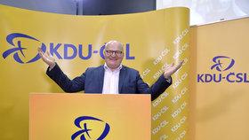 Místopředseda KDU-ČSL Daniel Herman promluvil s novináři (Komunální volby 2018).