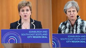 Skotská první ministryně Sturgeonová nesouhlasí s brexitovou dohodou Mayové a požaduje nové referendum.