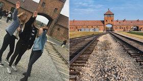 """Dívky na školním výletu """"hajlovaly"""" v Osvětimi. Hrozí jim až tři roky vězení."""