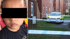 Otec ubil k smrti chlapce, v jeho tělíčku našli kokain.