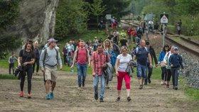 Nezvladatelné davy turistů si uzavření přechodu vedoucího z Polska do Adršpachu vynutily už několikrát (foto z 3. 5. 2018).