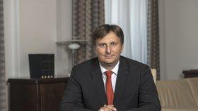 Ministr spravedlnosti Jan Kněžínek (za ANO) se domnívá, že soudci by měli tlaky ustát. Jsou kvůli tomu dobře placeni