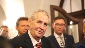 Zeman ve Sněmovně při debatě o rozpočtu.