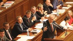 Zeman ve Sněmovně při debatě o rozpočtu. Zmínil i vraždu saúdskoarabského novináře