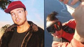 Šílený kaskadérský kousek skončil tragédií: Rapper se zřítil z křídla letadla.