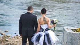 Kvůli jedné americké svatbě podlehlo koronaviru 7 lidí.