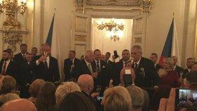 Zeman, Kiska a Klaus na recepci po vyznamenání