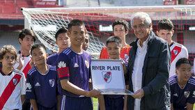 Thajští chlapci z jeskyně navštívili olympijské hry mládeže v Buenos Aires.