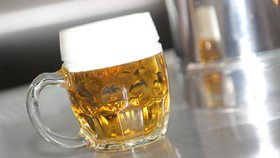 Pivo je právoplatně chloubou České republiky. Je ale závislé na úrodě chmelu a ječmenu.