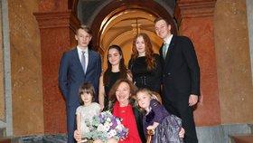 Livia Klausová slavila své 75. narozeniny s týdenním předstihem. Svou rodinu pozvala na koncert do Rudolfina (4. 11. 2018)