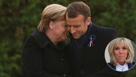 Stoletá Francouzka si v Compiègne spletla Angelu Merkelovou s Brigitte Macronovou.