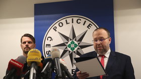 """ONLINE: Policie a státní zástupci promluvili o """"únosu"""" Babišova syna i Čapím hnízdě"""