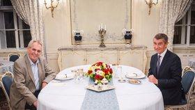 Prezident Miloš Zeman a premiér Andrej Babiš na společné večeři v Lánech (19. 11. 2018)
