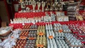 Při kontrolách prodeje vánočního sortimentu na adventních trzích zjistila Česká obchodní inspekce (ČOI) pochybení zhruba ve čtvrtině případů