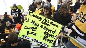 Hokejová fanynka Kelly získala dárce ledviny díky transparentu na zápasu NHL