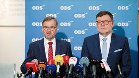 Tisková konference ODS v Poslanecké sněmovně. Předseda strany Petr Fiala a předseda poslaneckého klubu Zbyněk Stanjura. (23. 11. 2018)