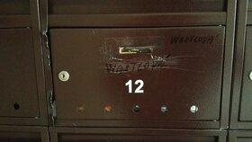 Iva Wastlová má stále bydlet v bytě v Plzni na Vinicích. Schránka je ale plná a doma jsme jí nezastihli.
