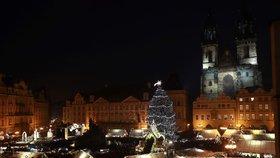 Vánoční trhy na Staroměstském náměstí odstartovaly slavnostním rozsvícením stromečku.