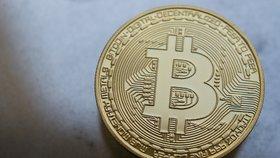 Bitcoin zažívá rekordní propad