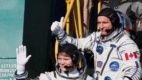 Start rakety Sojuz MS-11. Na palubě byli 3. prosince 2018 Rus Sergej Prokopjev, Američanka Serena Auňónová Chancellorová a Němec Alexander Gerst