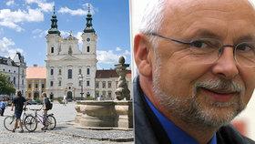 V 68 letech zemřel po těžké nemoci bývalý starosta Uherského hradiště Květoslav Tichavský.