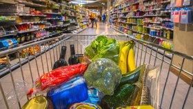 Některé potraviny se ozařují kvůli ničení škodlivin a zastavení zrání.