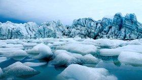 Grónský ledovec rapidně taje.
