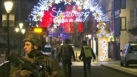 Střelba na vánočních trzích: Čtyři mrtví a mnoho zraněných, hlásí starosta Štrasburku