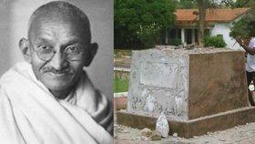 Ghanská univerzita po dvou letech sporů odstranila sochu Mahátmy Gándího z kampusu v hlavním městě Accře. Důvodem byly stížnosti univerzitní rady, obviňující slavného indického státníka z rasismu.