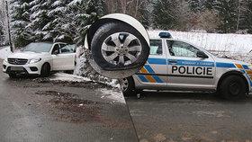 Cizinec (28) kradeným mercedesem najížděl do policistů! Na útěku ho vypátral pes Chucky