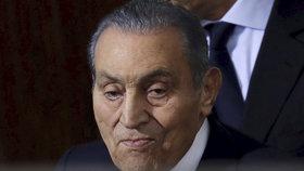 Egyptský exprezident Husní Mubarak (vlevo) zemřel.