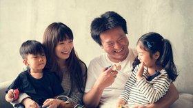 Japonští obyvatelé podle průzkumu homosexuály podporují.