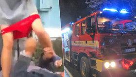 Žena se údajně nacházela na místě tragického požáru (ilustrační foto).