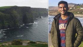 Student zemřel při pádu z Moherských útesů. Fotil si selfie a zakopl.